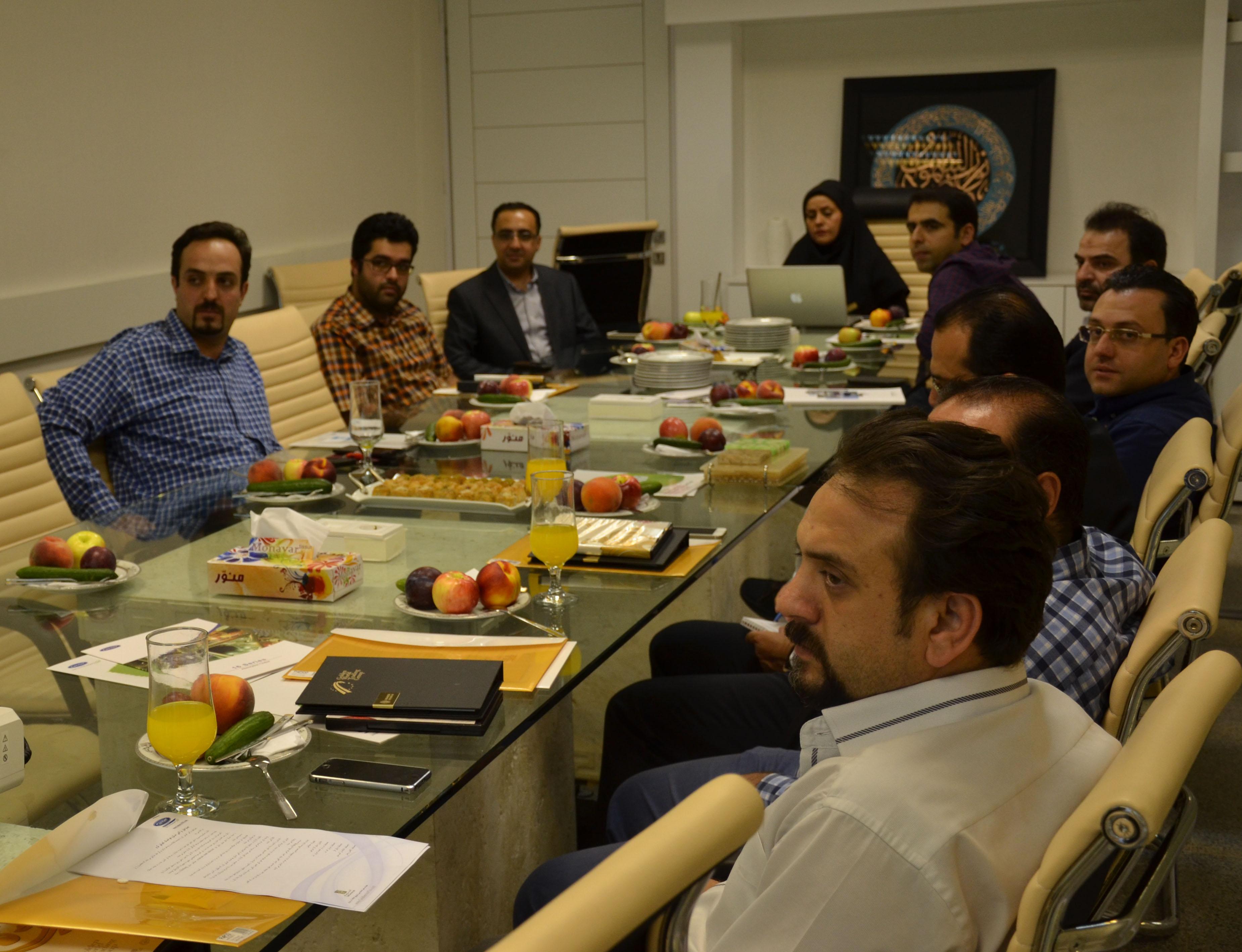 وب کنفرانس مدیران پروژه ها با کارخانه کریر