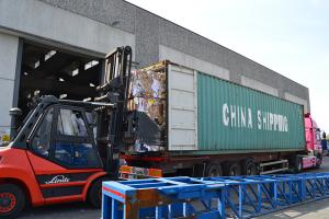 commercio-carta-caricamento-container-per-grand-export-