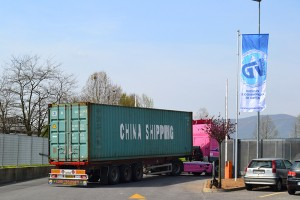 commercio-carta-container-carico